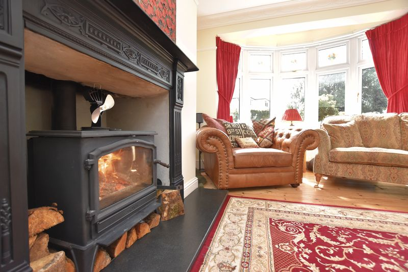 property thumbnail Fireplace-copy.jpg