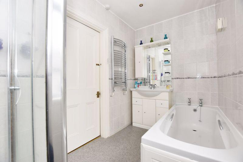 property thumbnail bathroom%286%29.jpg