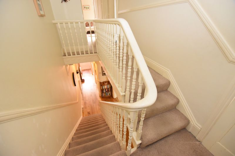 property thumbnail stairs%281%29.jpg