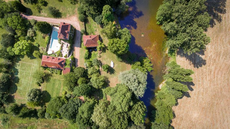 Stunning riverside location, completely secluded and peaceful