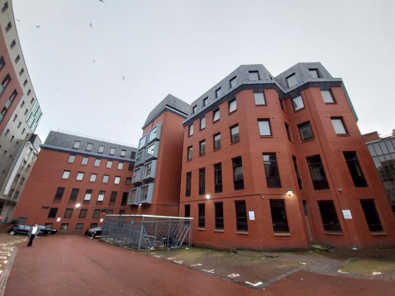 Moorfields, Liverpool - BILLS INCLUDED (not including council tax)