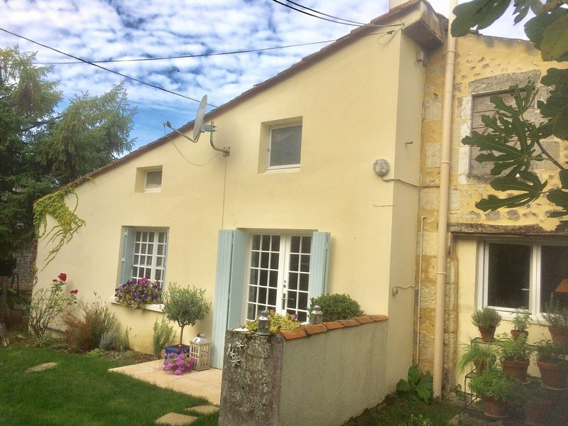Delightful 2 bed cottage with second house to renovate