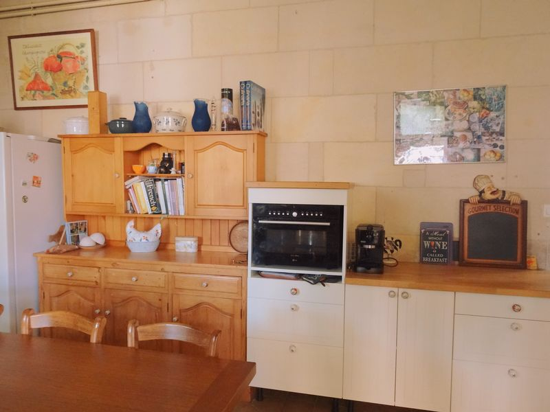 4 beds village house with 2 bed apartment near the coast