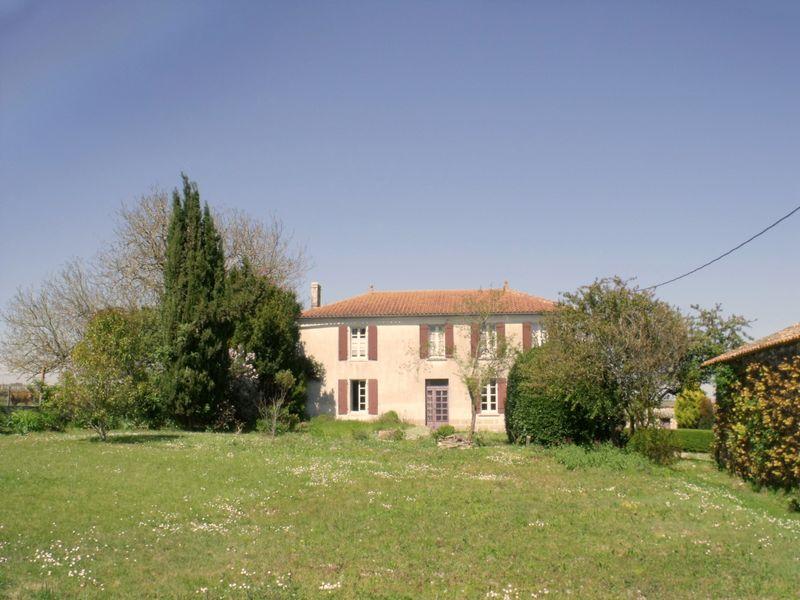 Detached farmhouse ideal for Gites!