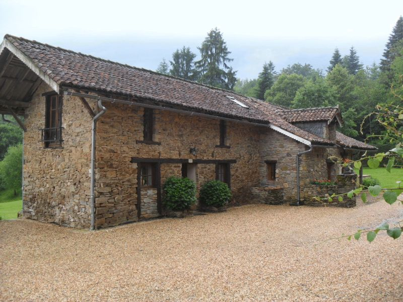 Secluded manor with 4 gites, in lovely grounds