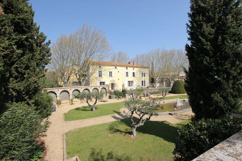 Exceptional landscaped gardens, surround by vineyards