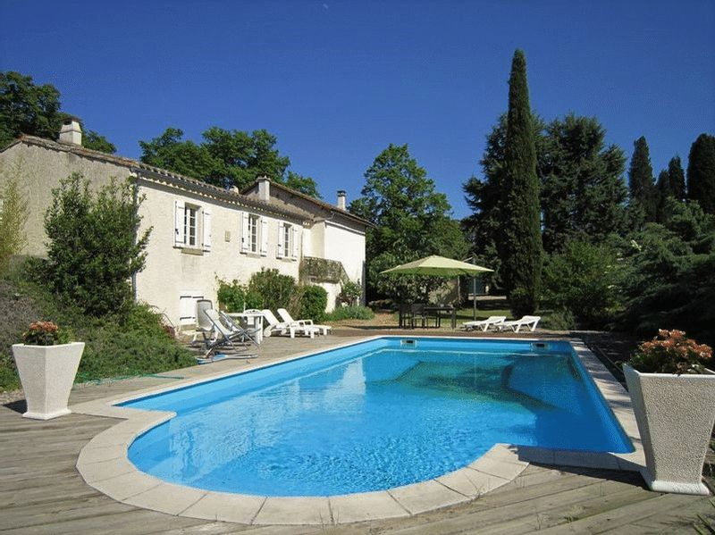 Exquisite property in stunning setting - a dream property