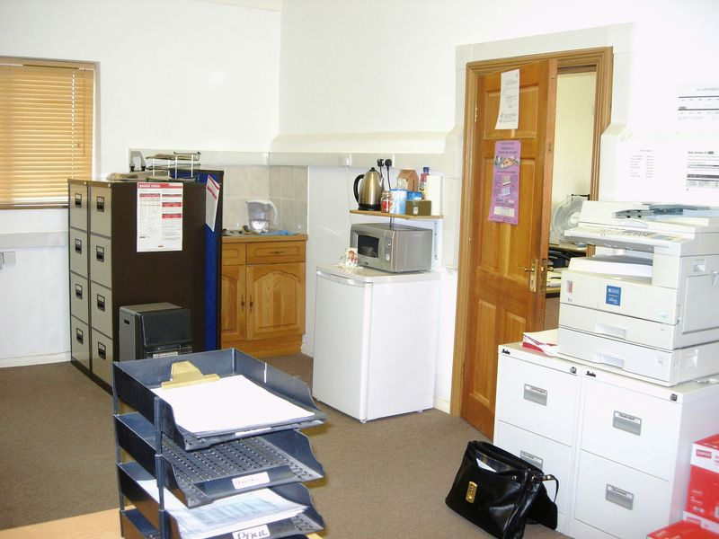 Rural Charing, Ashford  - Office unit to let