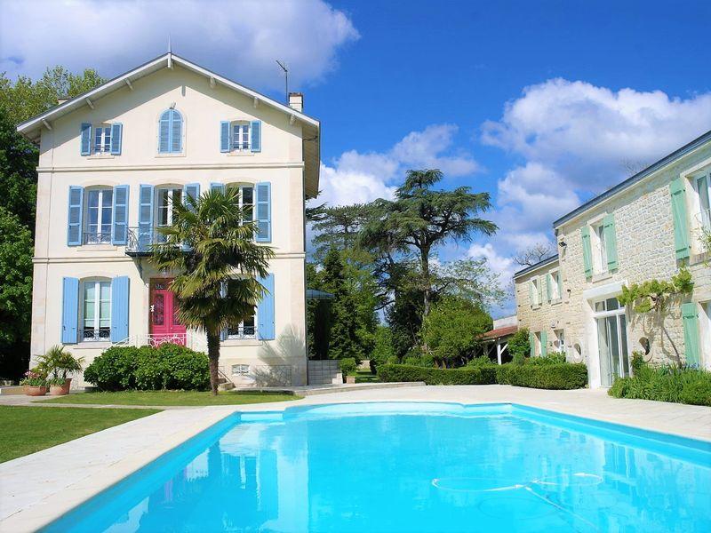 Stunning 19C Maison de Maitre and 2 guest cottages in riverside location