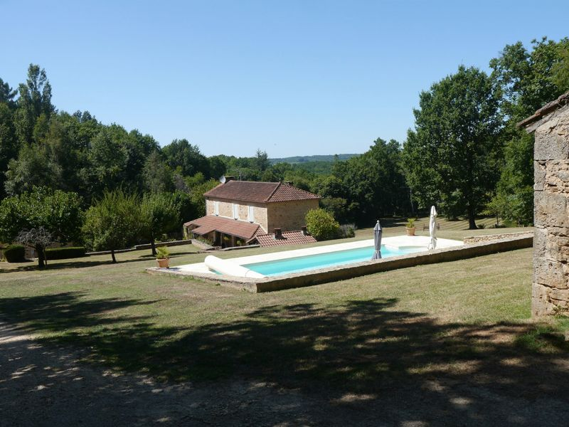 Get away from it all - 3 bedroom country house and guest cottage
