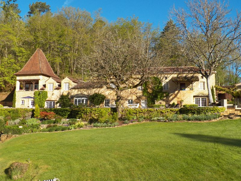 A fabulous Country House or a family run business