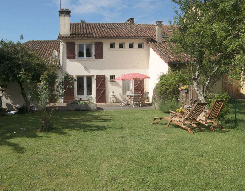 Charming village house close to Confolens!!