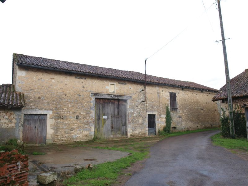 Collection of farm buildings set in over 7 hectares of land.