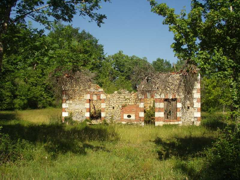 Ancient collection of buildings to renovate