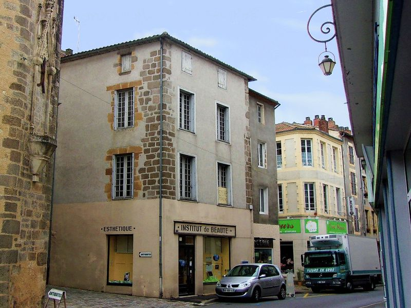 Fabulously situated property - commercial viable