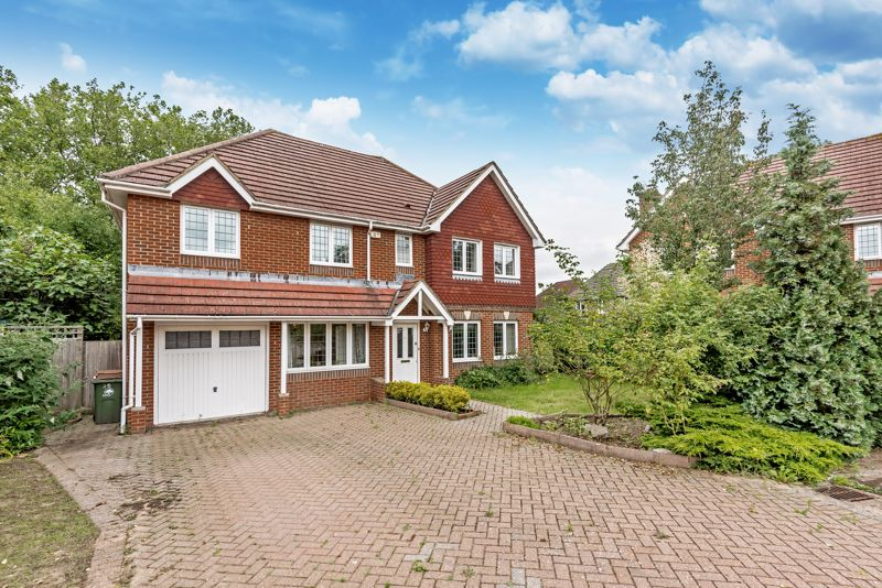 5 bedroom detached house SSTC in Carshalton Beeches - Photo 1.