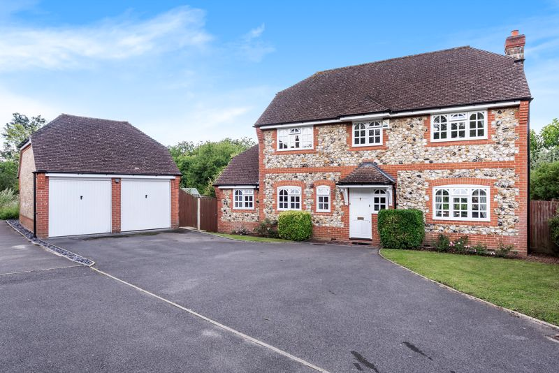 4 bedroom detached house SSTC in Carshalton Beeches - Photo 1.