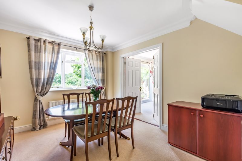 4 bedroom detached house SSTC in Carshalton Beeches - Photo 4.