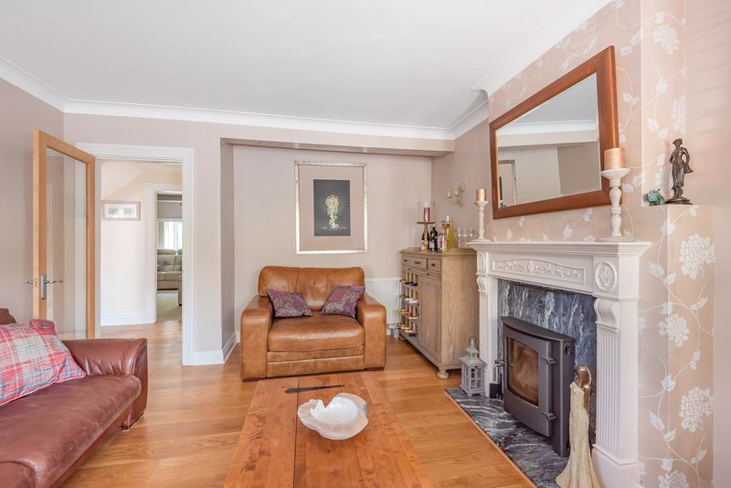 5 bedroom detached house For Sale in Sutton - Photo 13.