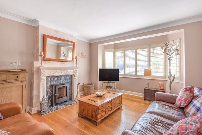 5 bedroom detached house For Sale in Sutton - Photo 16.