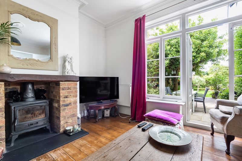 5 bedroom semi detached house SSTC in Carshalton Beeches - Photo 18.