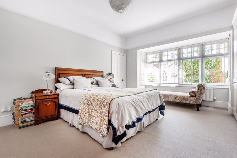 5 bedroom semi detached house SSTC in Carshalton Beeches - Photo 6.