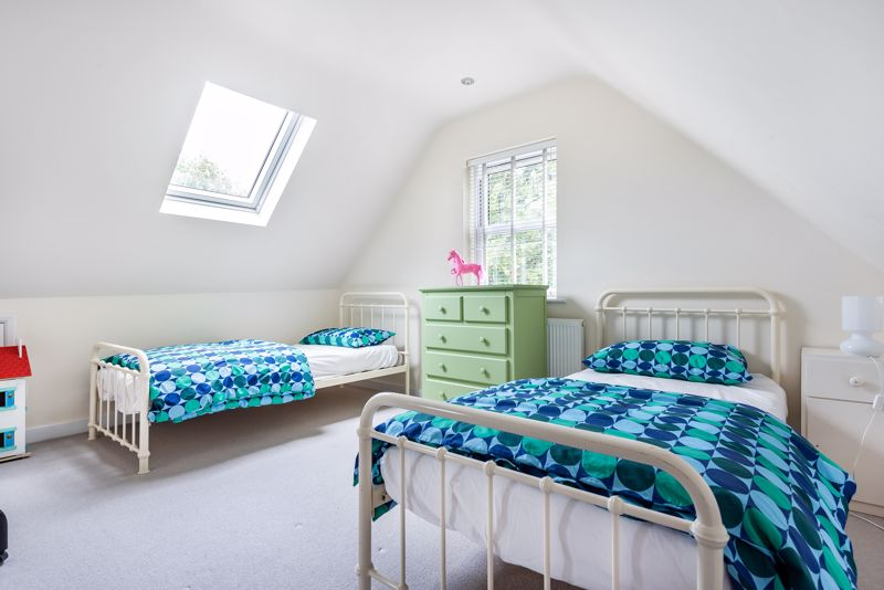 5 bedroom semi detached house SSTC in Carshalton Beeches - Photo 7.