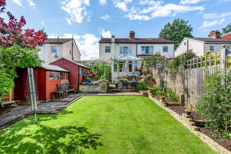 4 bedroom semi detached house SSTC in Carshalton Beeches - Photo 10.