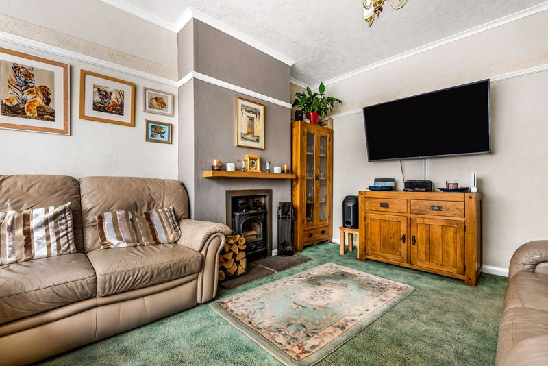 4 bedroom semi detached house SSTC in Carshalton Beeches - Photo 2.