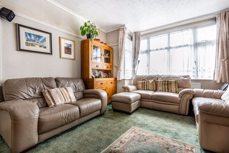 4 bedroom semi detached house SSTC in Carshalton Beeches - Photo 3.