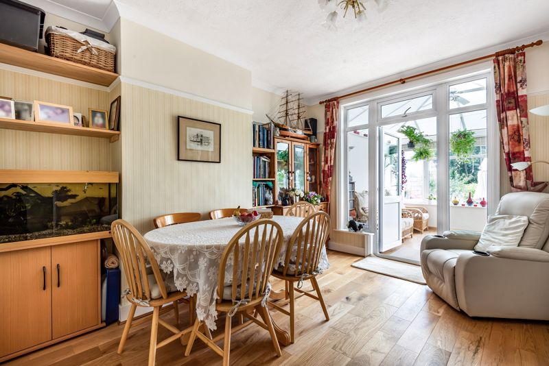 4 bedroom semi detached house SSTC in Carshalton Beeches - Photo 4.