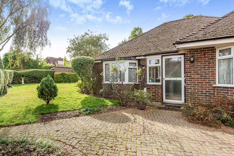 3 bedroom detached bungalow SSTC in South Sutton - Photo 14.