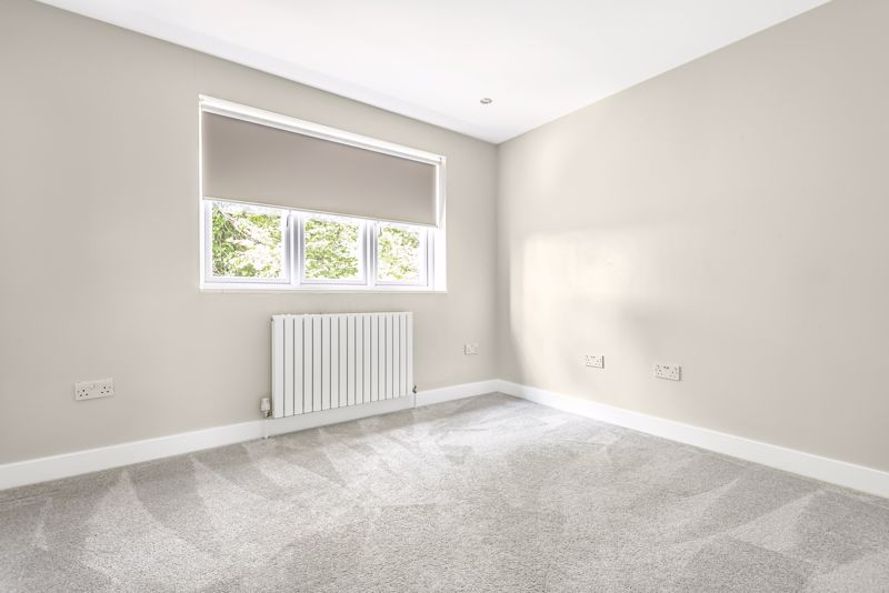 5 bedroom detached house SSTC in Carshalton Beeches - Photo 15.