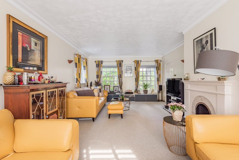 5 bedroom detached house SSTC in Carshalton - Photo 16.