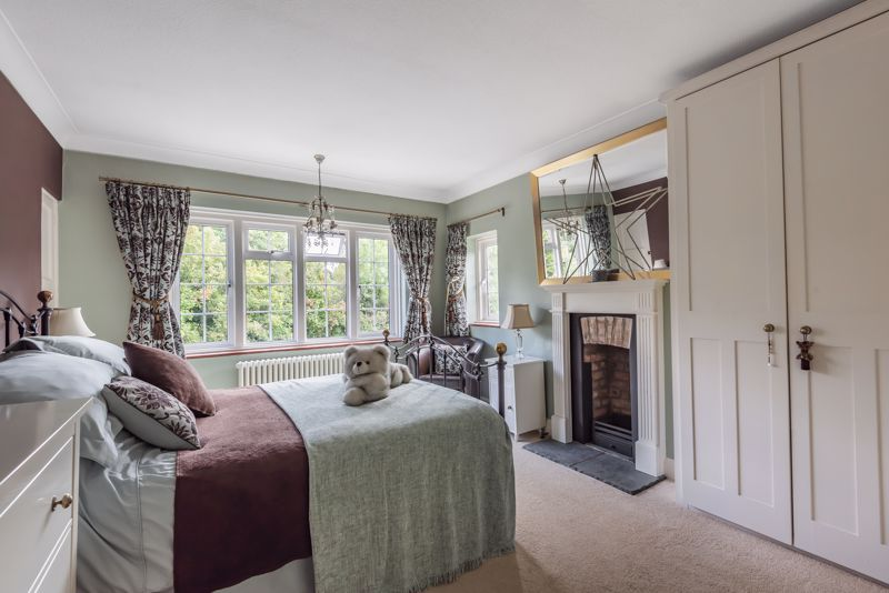 6 bedroom detached house SSTC in Carshalton Beeches - Photo 11.