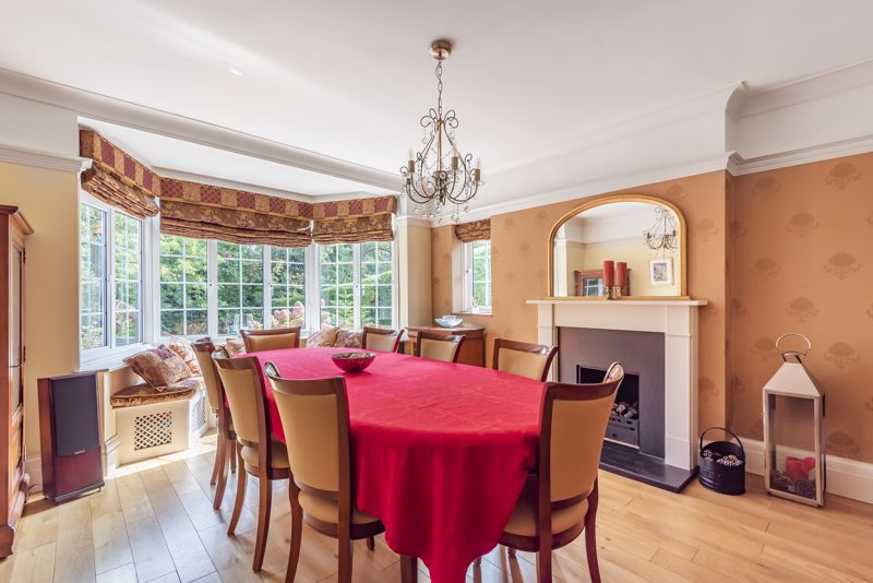 6 bedroom detached house SSTC in Carshalton Beeches - Photo 14.