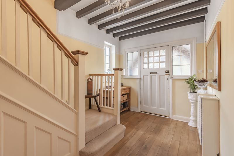 6 bedroom detached house SSTC in Carshalton Beeches - Photo 15.