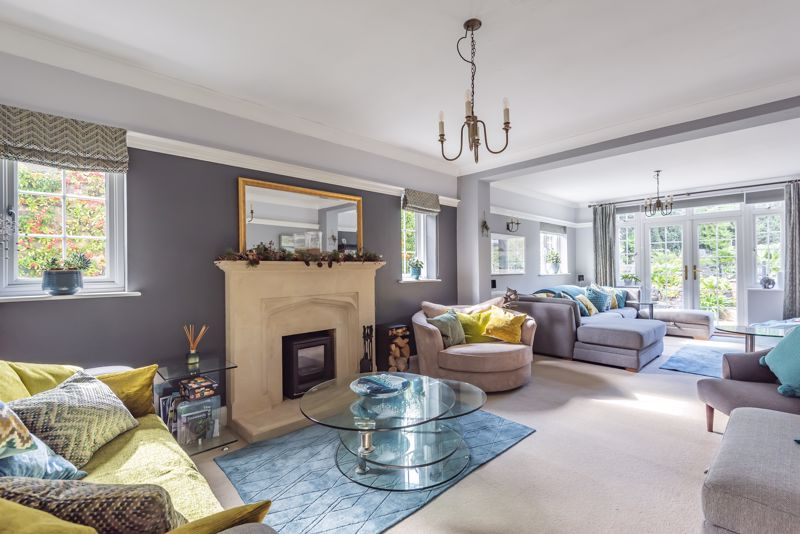 6 bedroom detached house SSTC in Carshalton Beeches - Photo 2.