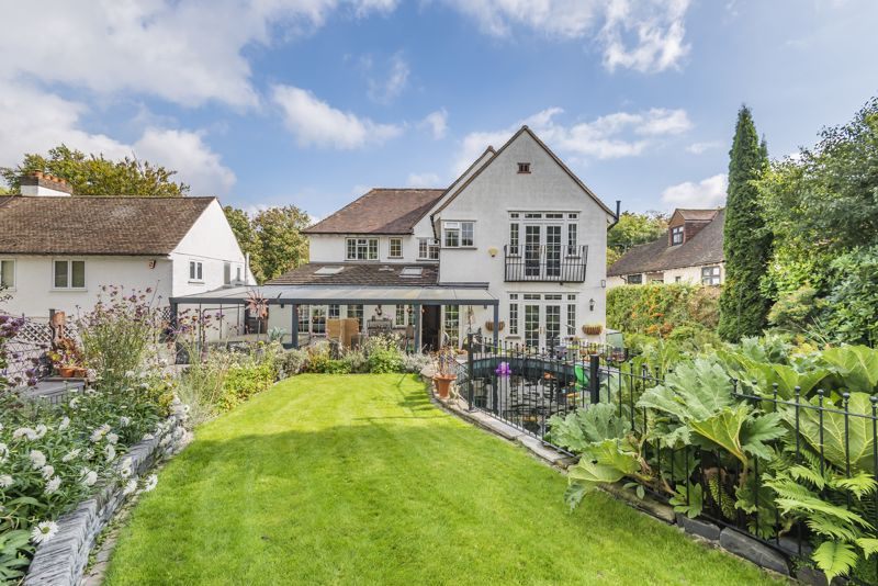 6 bedroom detached house SSTC in Carshalton Beeches - Photo 20.