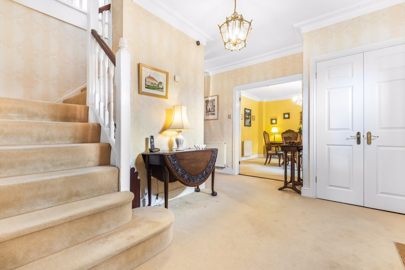 5 bedroom detached house SSTC in Carshalton Beeches - Photo 13.