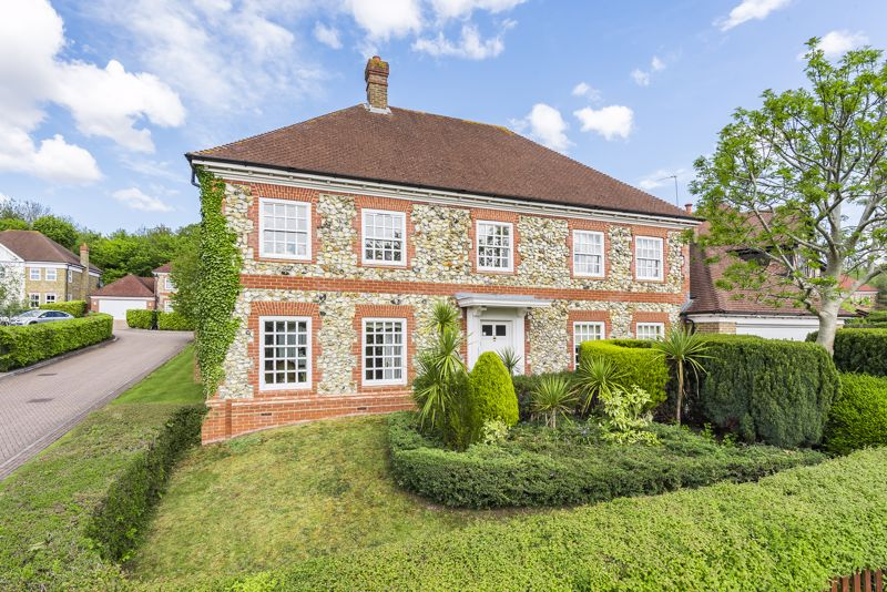 5 bedroom detached house SSTC in Carshalton Beeches - Photo 18.