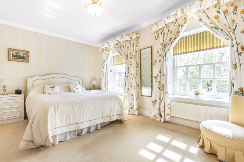 5 bedroom detached house SSTC in Carshalton Beeches - Photo 7.