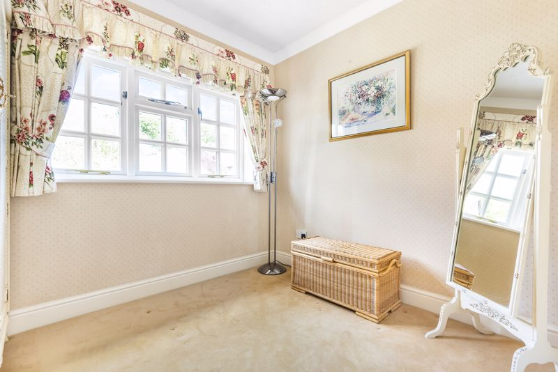 5 bedroom detached house SSTC in Carshalton Beeches - Photo 8.