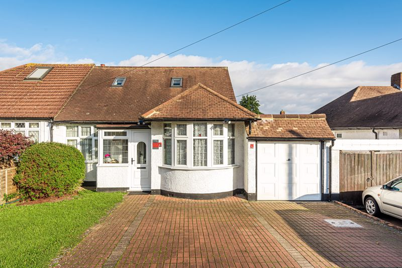 4 bedroom semi detached bungalow For Sale in Sutton - Photo 1.