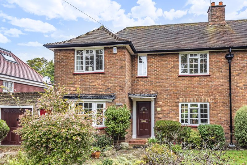 3 bedroom semi detached house For Sale in Sutton - Photo 11.