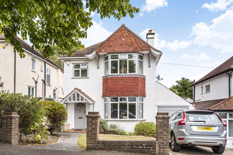 3 bedroom detached house SSTC in South Sutton - Photo 1.