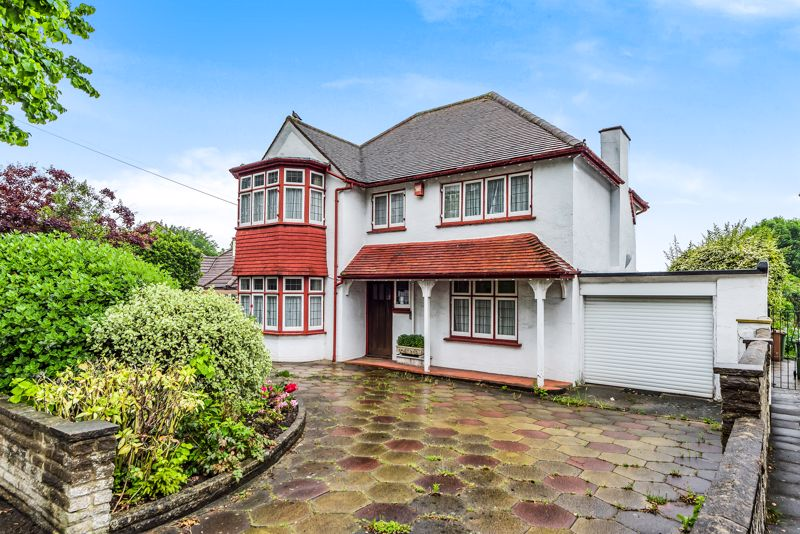 4 bedroom detached house For Sale in Carshalton Beeches - Photo 16.