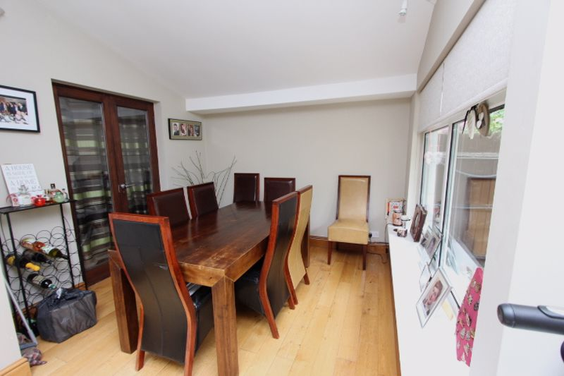 4 bedroom semi detached house For Sale in Carshalton - Photo 13.