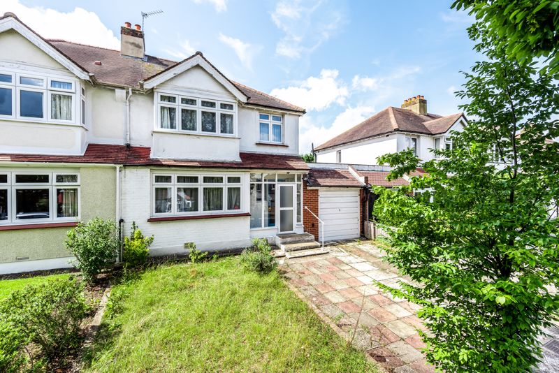 3 bedroom semi detached house SSTC in Carshalton - Photo 1.