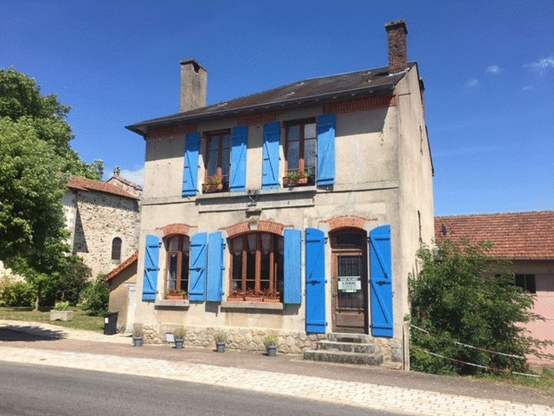 Well renovated village house just 10 minutes from a bustling market town